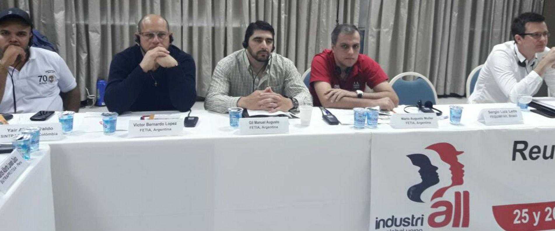 compañeros Mario Müller del SOEP de Misiones y Manuel Gil de papeleros de San Luis.