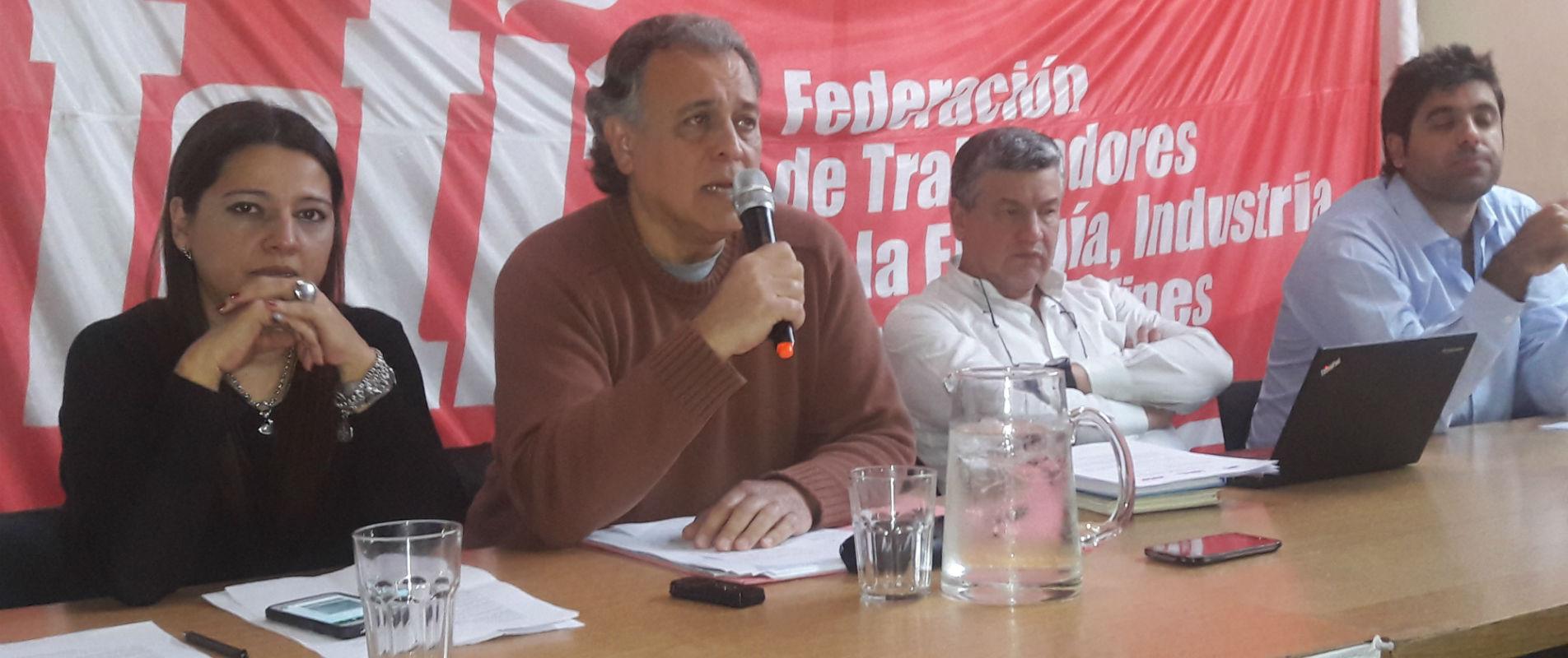 De izquierda a derecha, Dra. Sandra Fojo, Dr. León Piasek, Pedro Wasiejko y Luciano Dorio