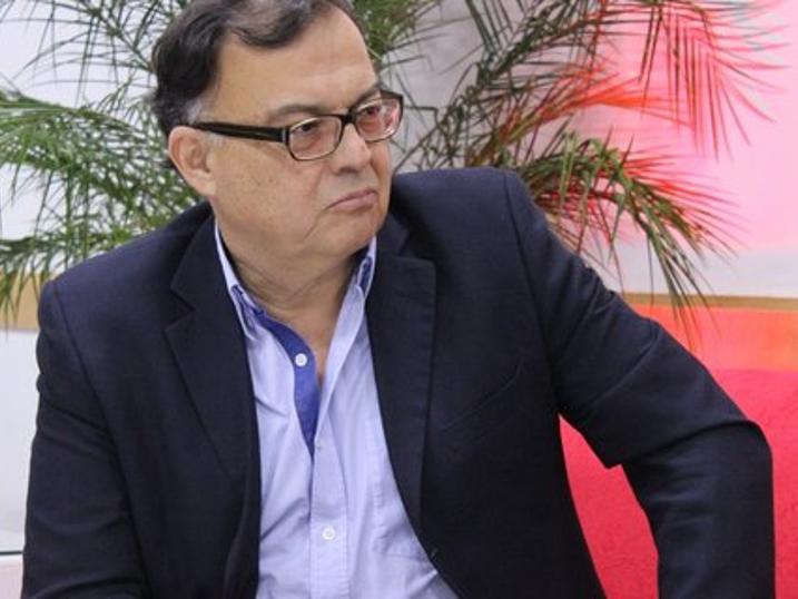 Víctor Báez El secretario general de la Confederación Sindical de las Américas (CSA) afirma que los trabajadores deben pasar a la ofensiva en esta etapa de crisis